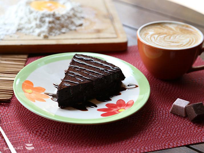 کیک روز با قهوه